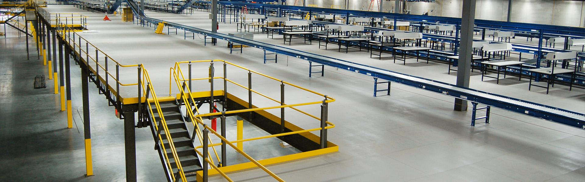 Large distribution center mezzanine with conveyor