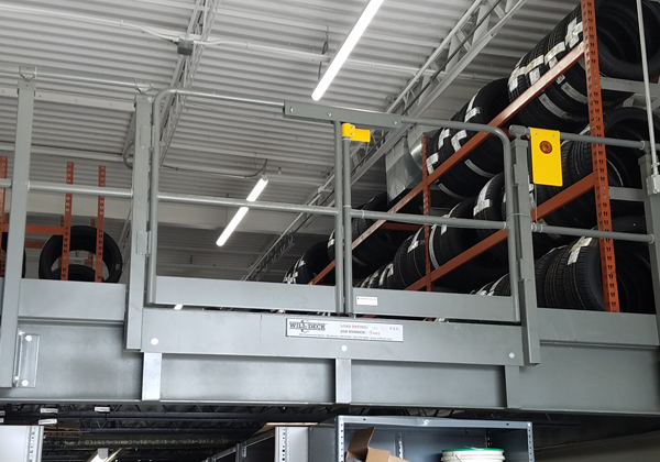 Mezzanine Pallet Gate : Pivot gate industrial safety wildeck