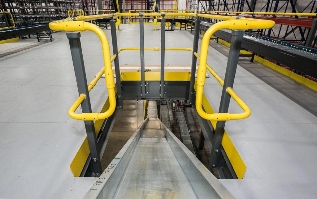 Wildeck's Modular Guard Rail