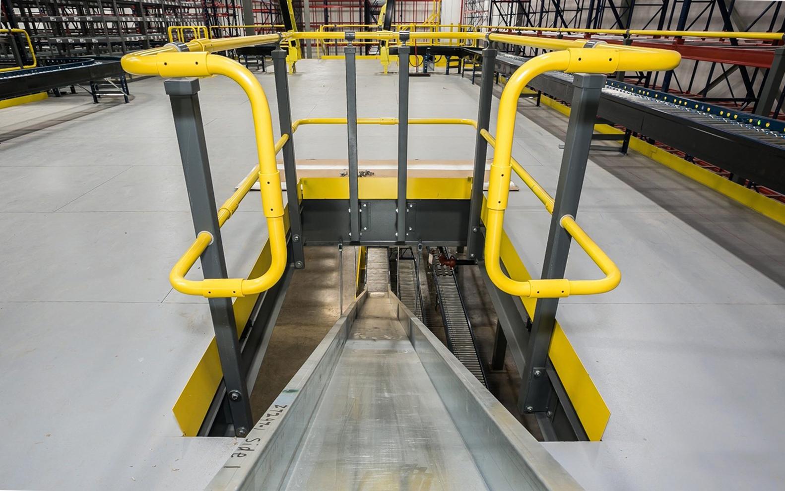 Side mounted mezzanine rail